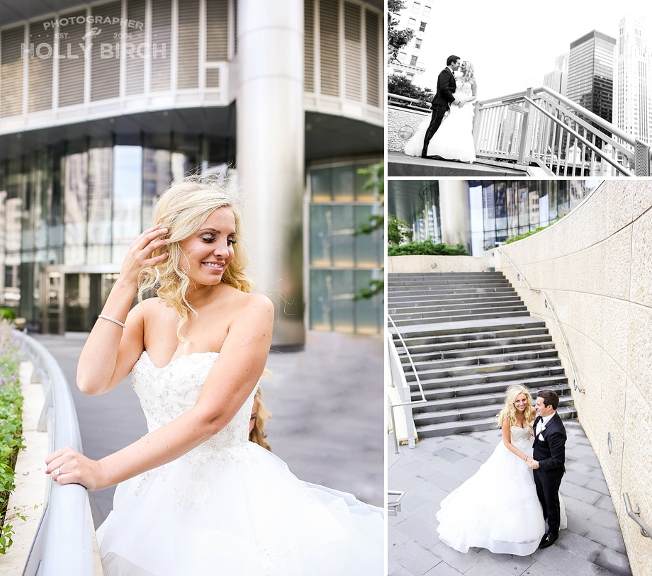 bride and groom at Wrigley Building in Chicago