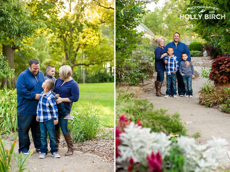 late summer family portrait session with navy blue clothing