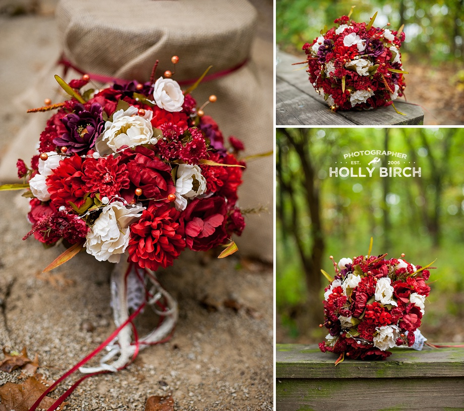 red and white bouquet with lace