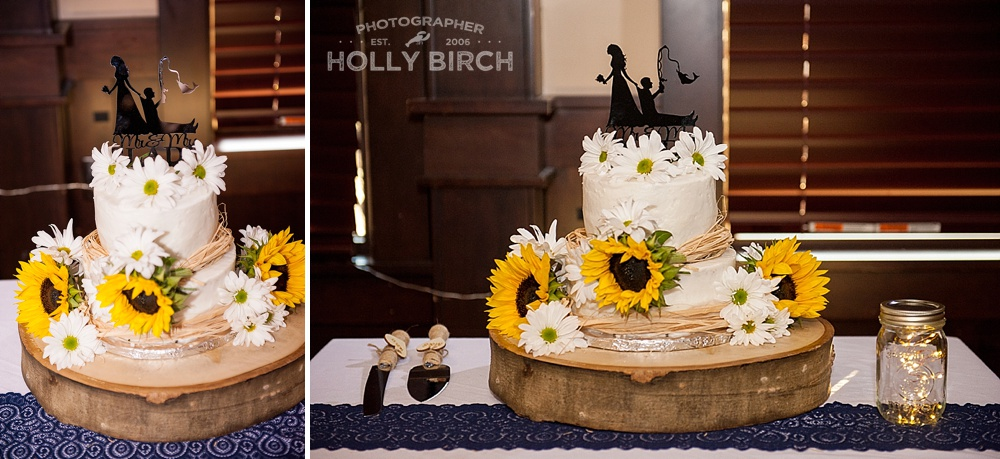 2-tier wedding cake with fall details