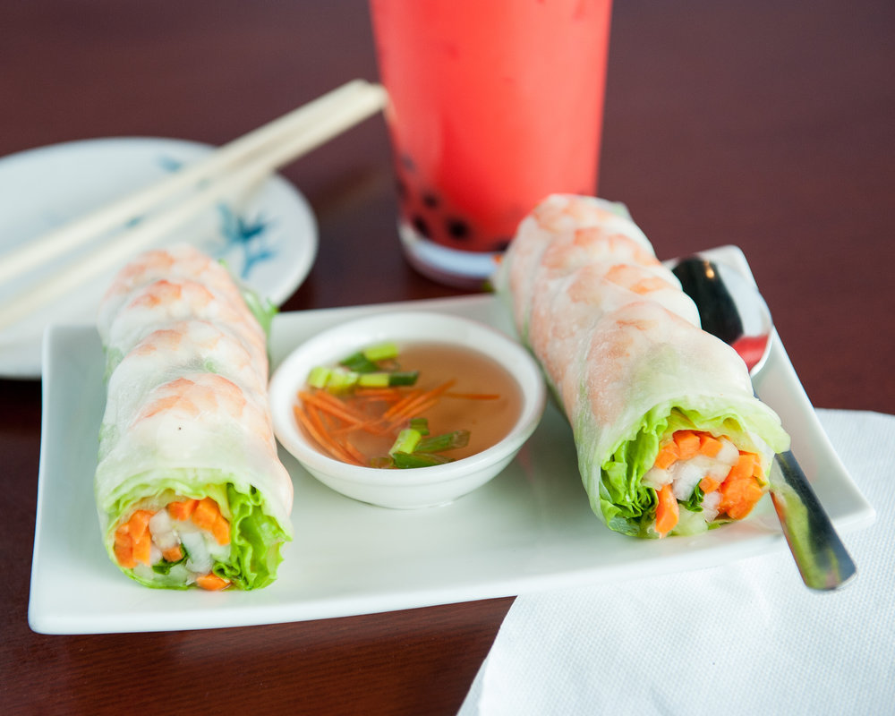 Xinh Xinh cafe shrimp spring rolls