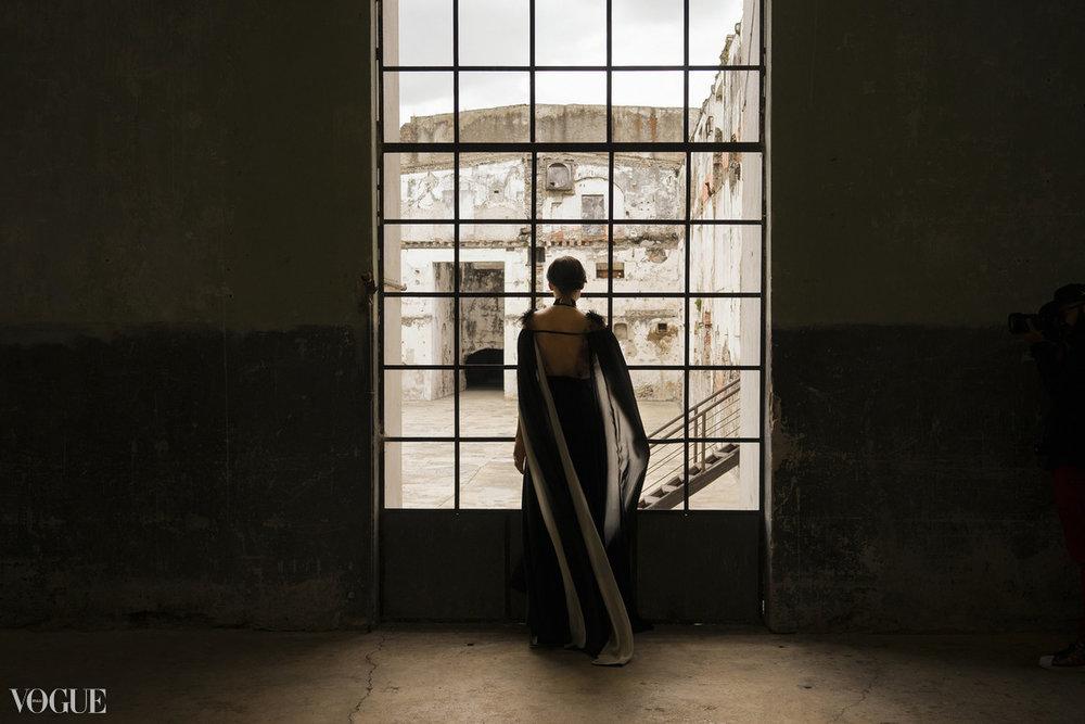 Fotografía publicada en PhotoVogue.   Verla en el sitio de Vogue Italia.
