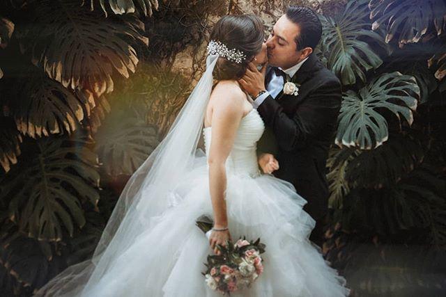 Y tanto dar amor hasta llegar el día... Contrátame 📸. 22-22-12-77-29 ¡¡¡Aparta tu fecha de boda durante marzo y yo te regalo una sesión pre boda en la locación que tu elijas!!! Info: www.franciscosantander.com  Válido en todo el mundo 🌎  #bodas2019 #bodaspuebla #bodasmexico #fotografiadeboda #fotografodebodas #puebla #lomasdeangelopolis #instafoto #instawedding #vestidodenovia #weddingday #weddingphotography #weddingdress #mecaso #fotografomexicano