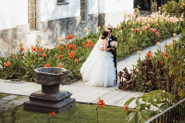 Haz que tus recuerdos sean increíbles.  Contrata la mejor fotografía para tu boda. Aparta tu fecha al 22.22.12.77.29 o por DM