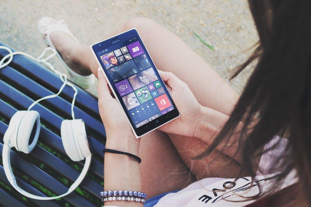 apps-device-digital-7423.jpg