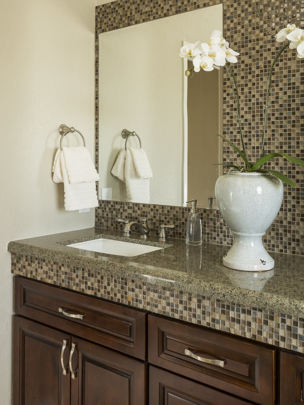 Accent tile to add interest at vanity -