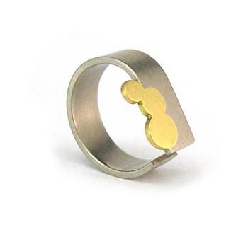 Melanie Ihnen wedding ring