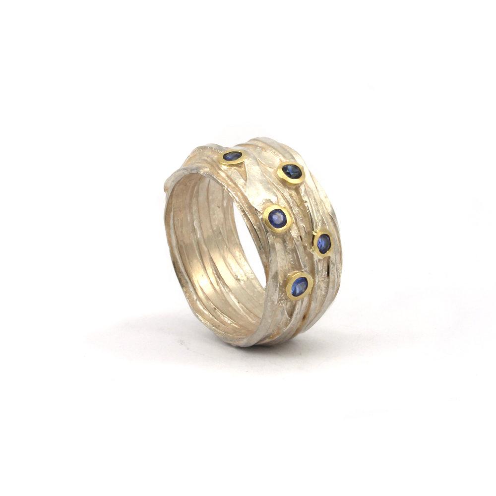 Shimara sapphire ring large2.jpg