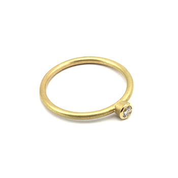 Mel yellow gold diamond ring closeup350.jpg
