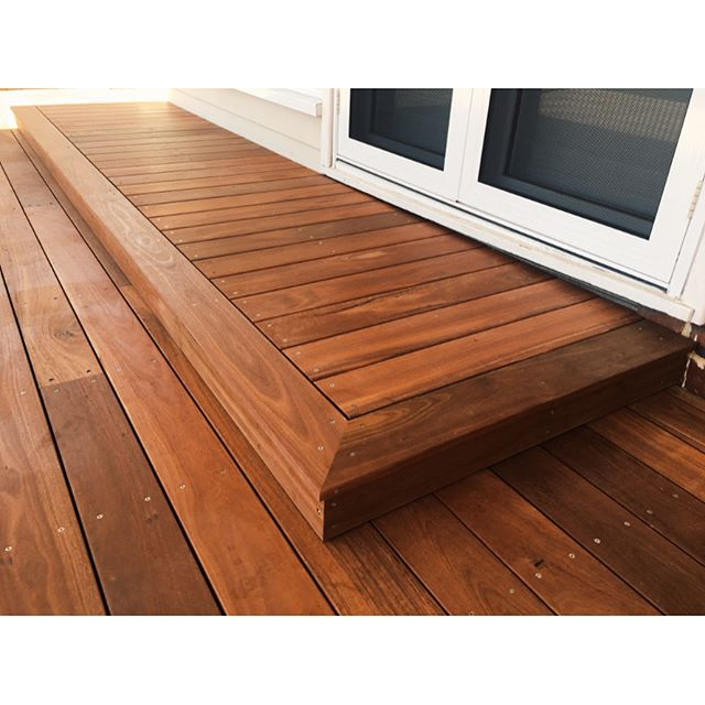 40m2 jarrah deck the Blu team has just recently completed in leederville. Using Watsons matte natural finish to seal the jarrah boards. Lights installed by Allectrical. With the tight fence line it's proven a challenge to get a decent over all photo .