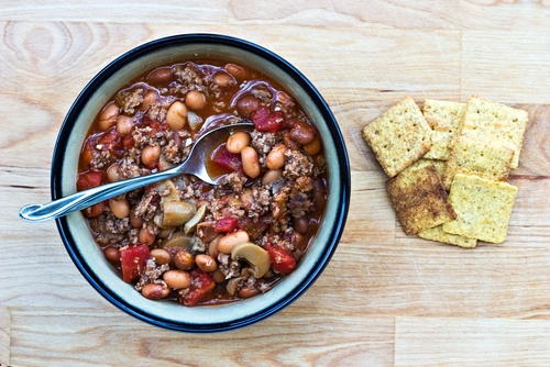Minus the crackers if you're doing the no processed foods thang....you can chuck extra veg into this chilli to make it as exciting as you like.