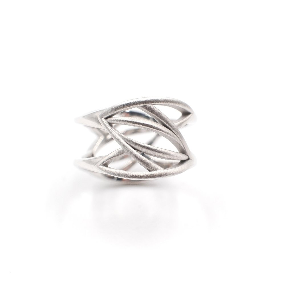 White Leaves Ring | 18K white gold