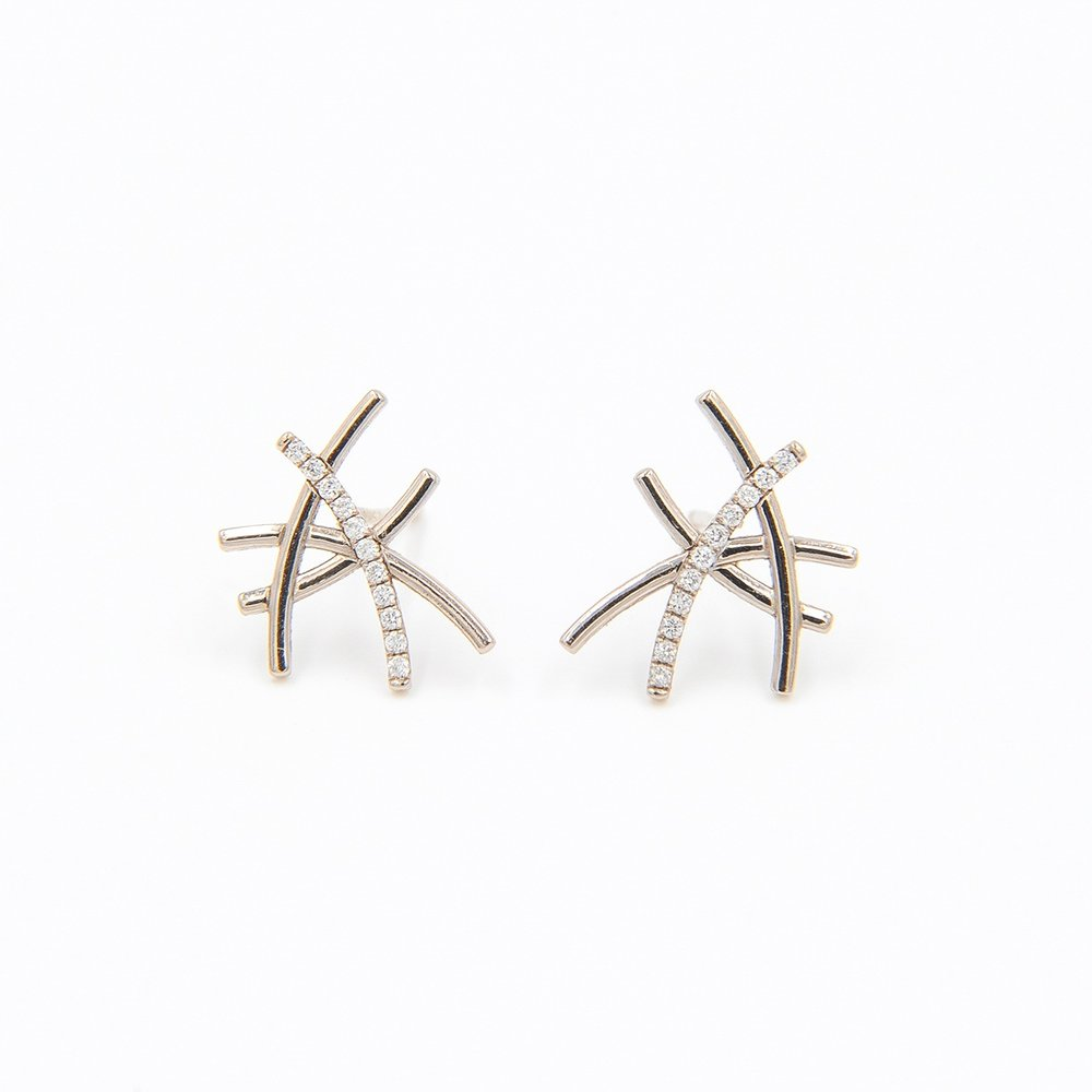 One Diamond Line Earrings | 18K white gold, diamonds