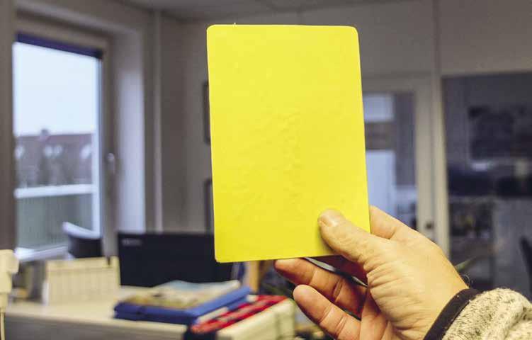 I Ultraship uddeles gule kort, når en kollega overtræder sikkerhedskulturen. Både på skibet og på kontoret.