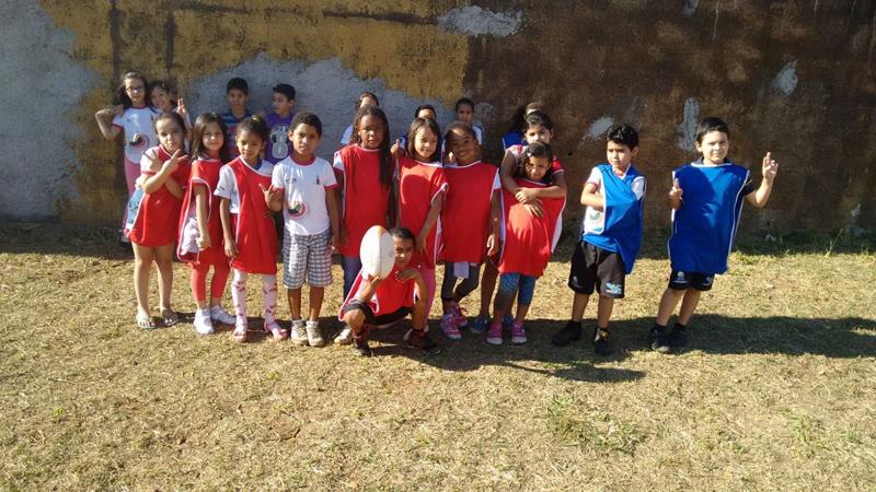 Aula de Rugby na Escola Classe 108 de Samambaia