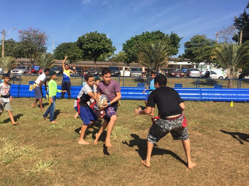 Mais de 300 crianças de São Sebastião jogaram rugby pela primeira vez durante o DFTV Cidadão 2018