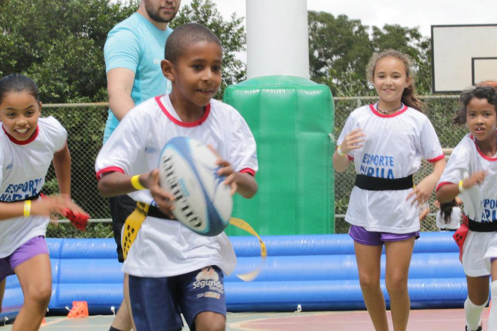 Recebemos 80 crianças durante o evento Esporte na Rua da REMS, Nike e PNUD