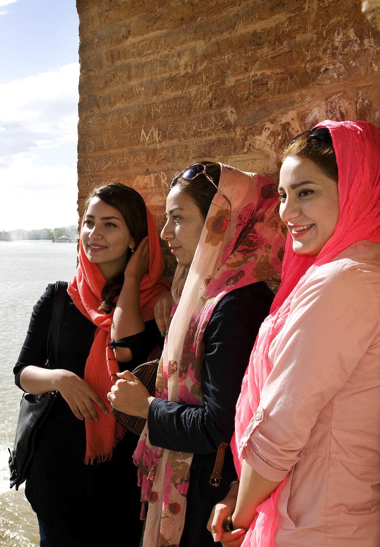 Modern girls on the Pol Khajoo, Isfahan