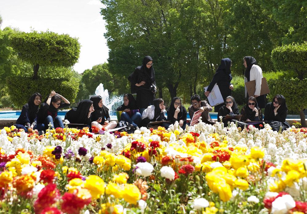 Students in Hasht Behesht, Isfahan