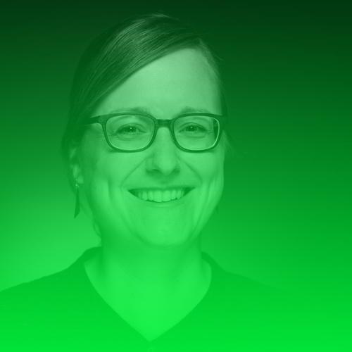 Christina Elmer   Christina Elmer leitet das Datenjournalismus-Ressort bei SPIEGEL ONLINE, ist Mitglied der Chefredaktion und schult Journalisten in der datenbasierten Berichterstattung und Online-Recherche. Bis 2013 arbeitete Elmer im Investigativ-Ressort des Magazins Stern. Ihre journalistische Karriere begann 2007 bei der dpa, wo sie Deutschlands erste Datenjournalismus-Redaktion aufbaute. Elmer studierte Journalismus und Biologie in Dortmund und volontierte beim WDR. Als Vorstandsmitglied von netzwerk recherche engagiert sie sich dafür, den Datenjournalismus voranzutreiben.  Twitter:  @ChElm