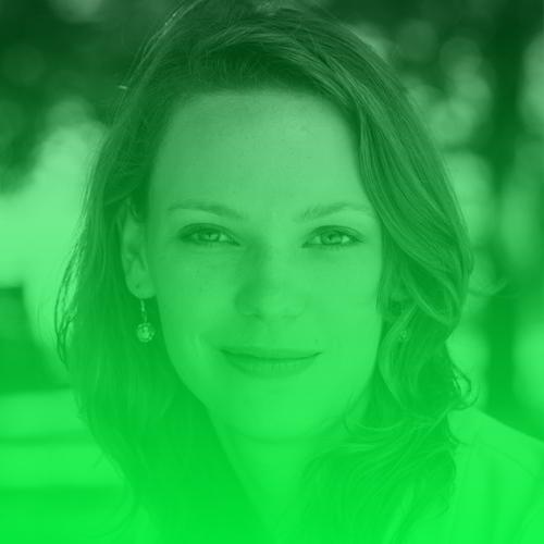 Lina Timm   Als Gründerin und Program Manager des MediaLab Bayern fördert Lina Timm Talente und Teams auf ihrem Weg zum Medien-Startup. Sie studierte Germanistik und Soziologie und wurde an der Deutschen Journalistenschule in München zur Redakteurin ausgebildet. Sie schrieb unter anderem für die Frankfurter Allgemeine Sonntagszeitung oder ZEIT, ihre Beiträge wurden auf ProSieben und ARTE ausgestrahlt. 2016 gründete sie die Slack Community www.digital-journalism.rocks, einen Ort mit nun über 1000 digitalen Journalisten.  Twitter:   @Luisante