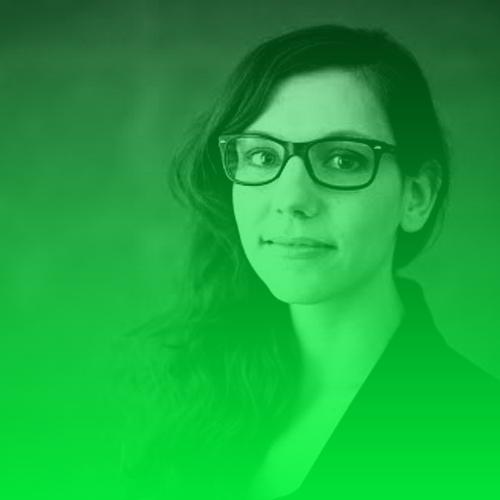 """Lisa-Marie Eckardt   Lisa-Marie Eckardt ist freie Journalistin in Hamburg und Mitgründerin des digitalen Reportage-Magazins Weltseher. Für ihr multimediales Projekt """"Omas Notizbuch"""" fuhr sie mit Unterstützung des Vocer Innovation Medialab nach Polen, um die Flucht- und Vertriebenengeschichte ihrer Oma aufzuarbeiten. Ihre Datenjournalismus-Recherche für Correctiv wurde von der Rudolf-Augstein-Stiftung gefördert.  Twitter:  @ LisaMEckardt"""