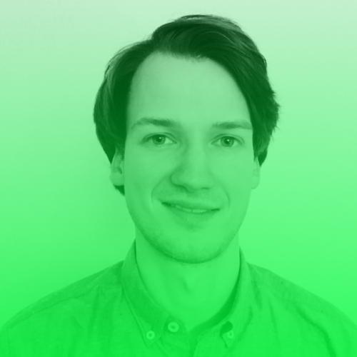 Max Rosch   Max ist seit September 2017 Online Redakteur bei piqd. Davor hat er in Münster Kommunikationswissenschaft und Ökonomik studiert, am Lehrstuhl für Marketing gearbeitet und journalistische Erfahrungen bei Radio Q und der Thüringer Allgemeine gesammelt. Im Rahmen des DNI Fellowships verstärkt er VOCER und wird an verschiedenen Projekten mitarbeiten. Max liest alles, was er in die Finger oder auf den Bildschirm bekommt, hört Podcasts und schaut Serien so oft es geht und ist immer auf der Suche nach neuen Ideen und Möglichkeiten, die Journalismus nahbarer und erfahrbarer machen, gerade für junge Menschen.  Twitter:   @max_rosch