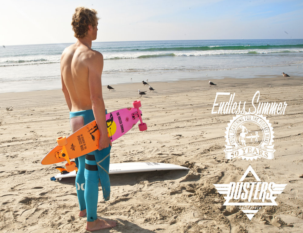 Dusters_Endless_Summer_checking_surf1.jpg