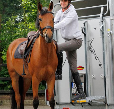 Boeckmann horse floats accessories climbing.jpg