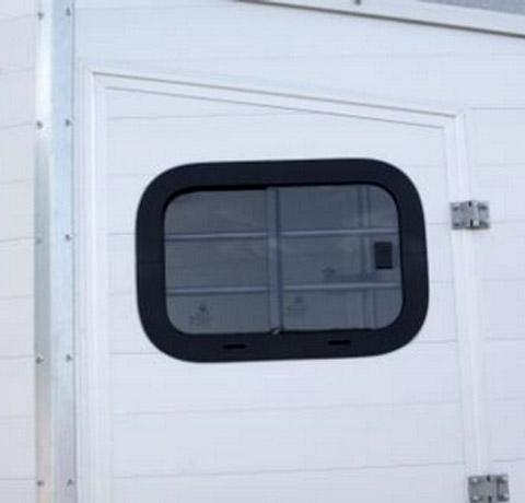 1Boeckmann horse floats accessories window.jpg