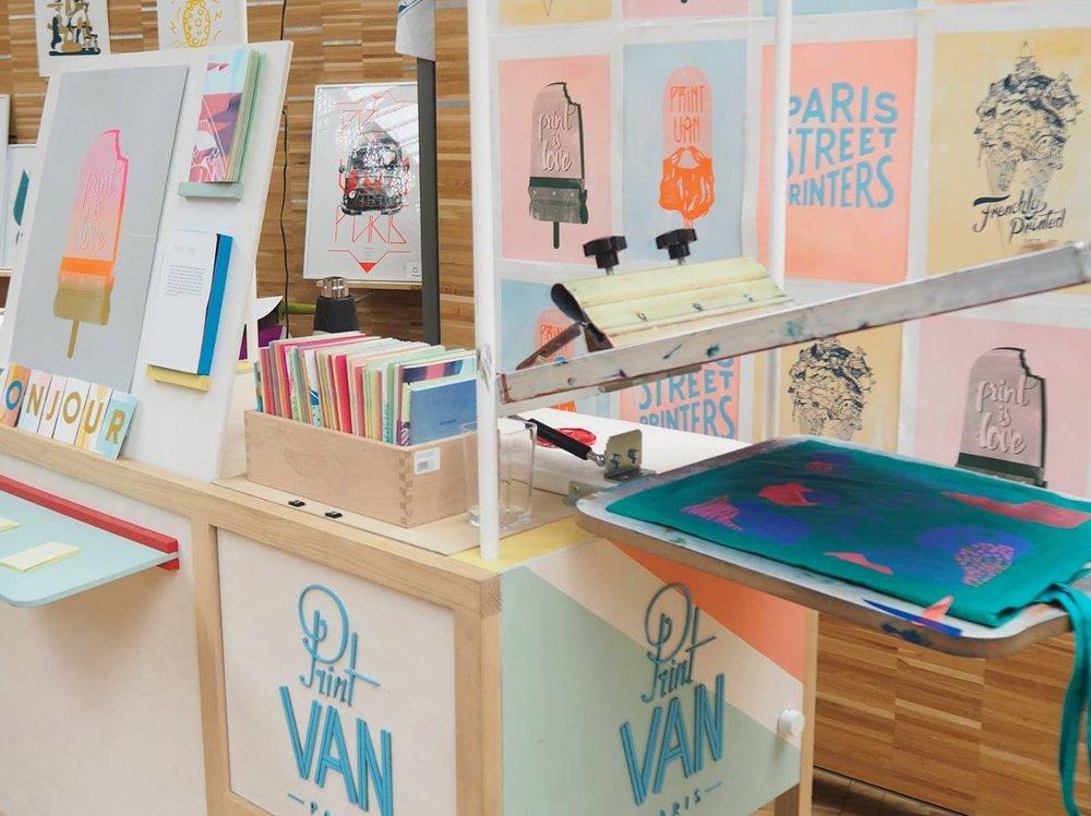 SérigraphiePrint Van PARIS - Print Van, atelier de sérigraphie ambulant vous propose de sérigraphier votre tote bag Klin d'oeil.www.printvanparis.com