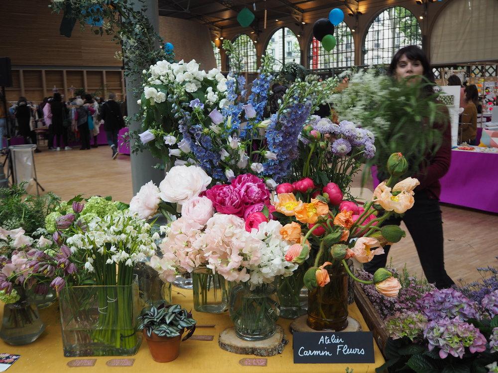 Fleuristes atelier Carmin - Un fleuriste, pour vous, pour vos yeux ! Repartez avec une petite planteou un bouquet... à offrir.www.ateliercarminfleurs.com