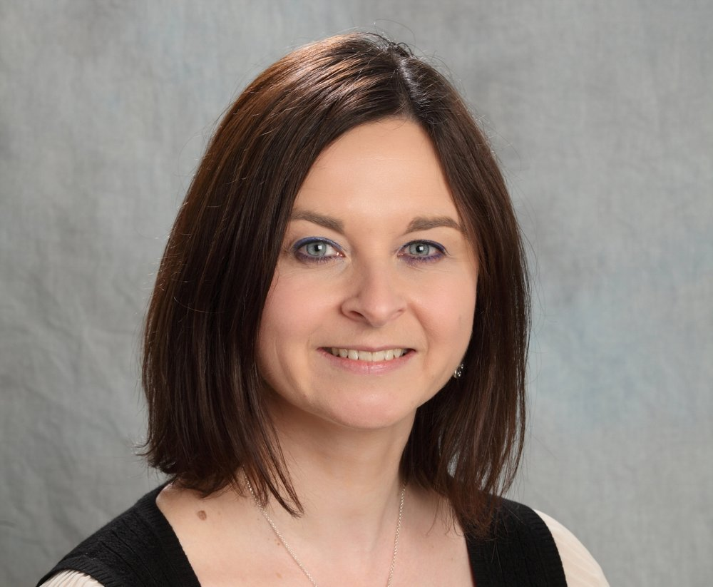 Victoria Turton, - Consultant
