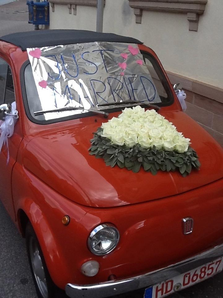 Ist es nicht knuffig, das Trauauto?  Freie Trauung von Lisa und Nikolas in Dossenheim.