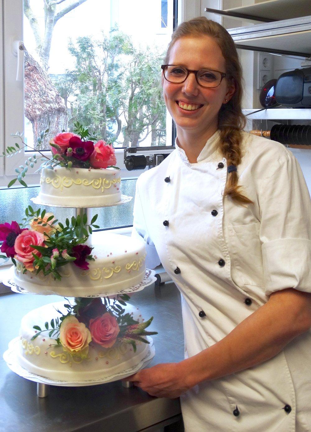 Vegane Hochzeitstorte von Caro, mit Leib und Seele Konditormeisterin. Unbedingt probieren!  Carolin Dezius,  www.carolindezius.jimdo.com