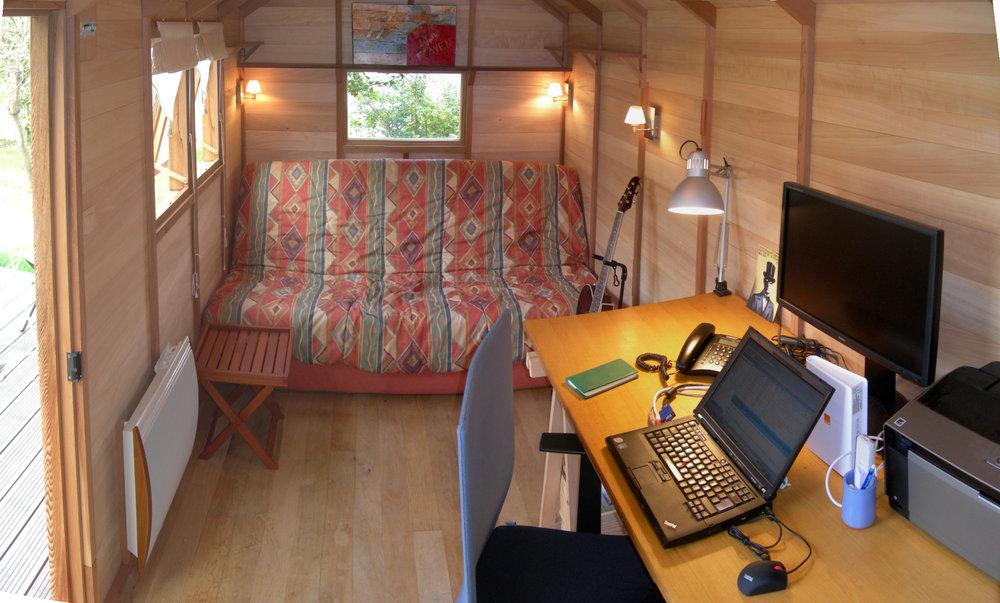 07-11-bureau-histoires-de-cabanes (1).jpg