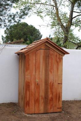 01-abri-a-outils-histoires-de-cabanes (1).jpg
