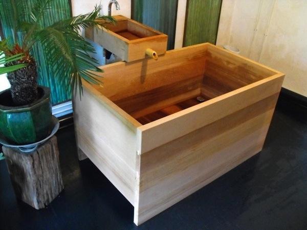 07-abris-baignoire-histoires-de-cabanes (1).jpg