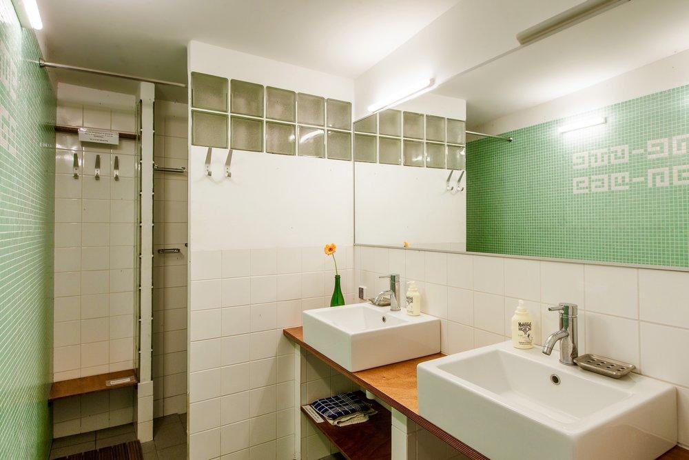badkamer koeienstal.jpg