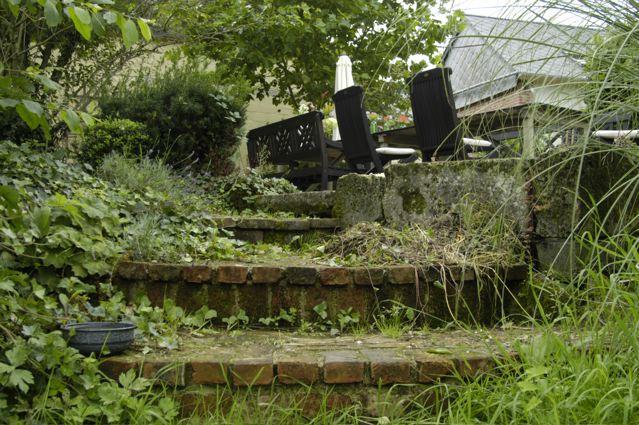 trapje naar het terras.jpg