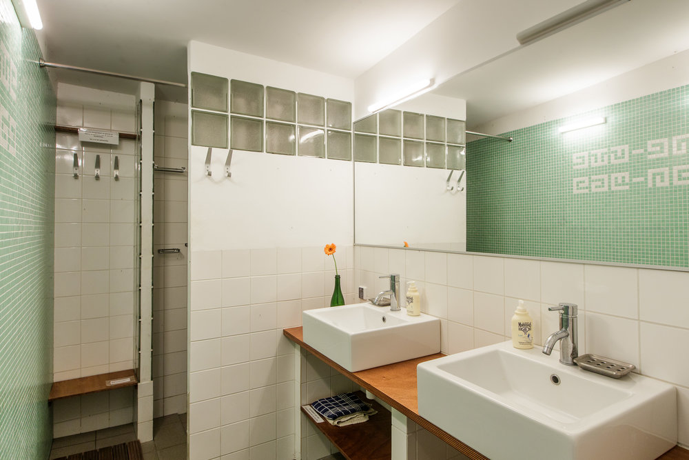 KS badkamer koeienstal.jpg
