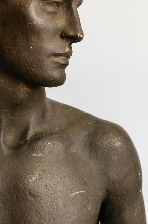 Friedrich Lange, Jugendlicher Athlet, 1938, Gips, 170 cm.Foto © Martin Weiand