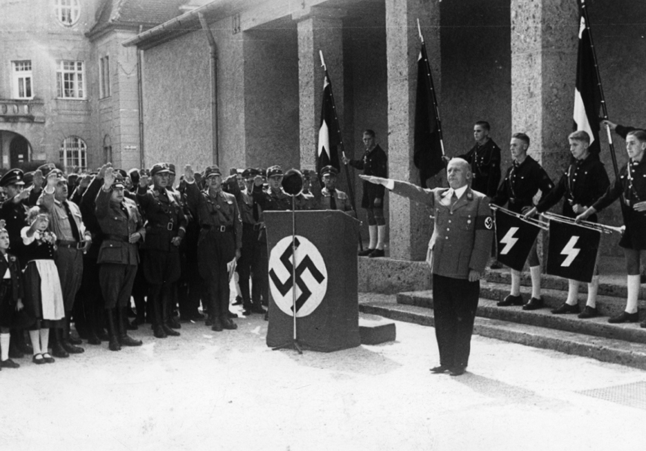 Städtische Gemäldegalerie von Gauleiter Adolf Wagner eröffnet, 1937, Repro © Stadtarchiv Rosenheim