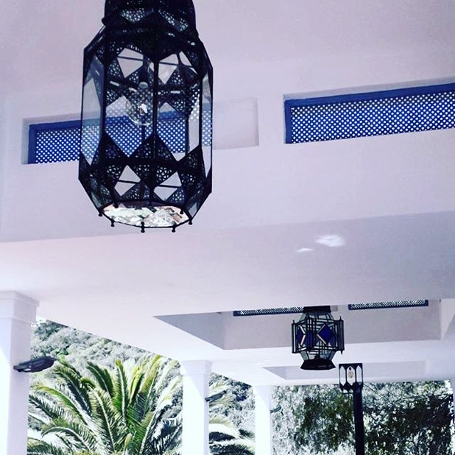 The new lanterns are up and we think they look great! Handpicked in Tangier and hand delivered with the help of @hayitsannie. #gaucín #gaucin #andalusia #andalucía #andalusie #atouchofmorocco #alfresco #luxuryliving #interiordesign #livinginspain #holidayvilla #luxuryholiday
