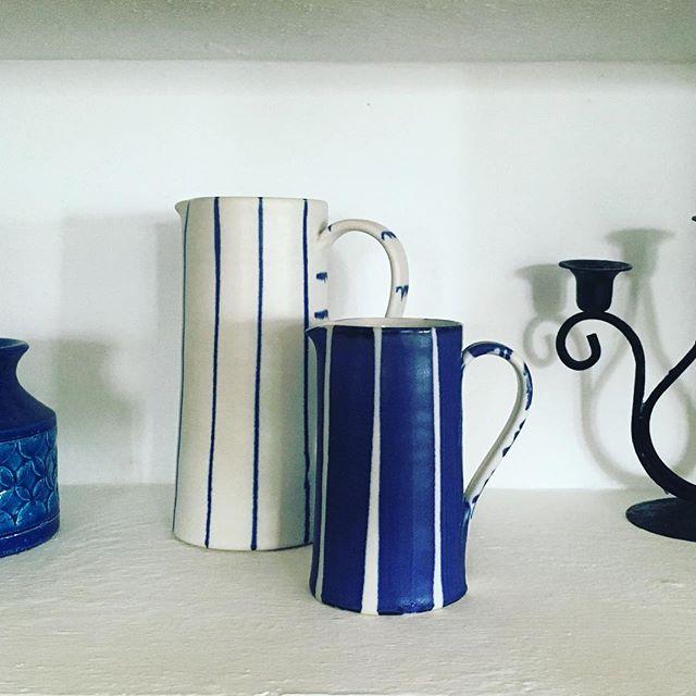 We can't resist a little blue & white and we love our @suebinnspottery jugs! #blueandwhite #somethingspecial #fincaavedin #luxurystay #hideaway #luxuryhideaway #interiors #interiorstyle #keepitlocal #artgaucin #localartist