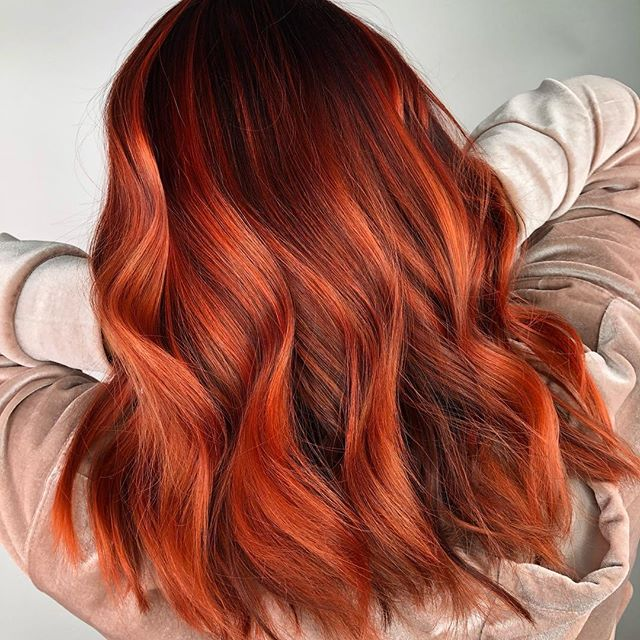What's gonna be your shade for fall??? How to get this look? Well first book an appointment, second be ready for 1 bigger appointment to create the dimension and a few smaller appointments to maintain the tone afterward. You can help at home maintaining the vibrance of a color like that using our Viral conditioners. Hair by @marieevefaucher on the beautiful @thisisolsy 🔥☄️