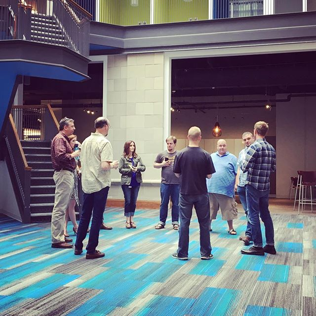 Operations 🤓 #insidetruefit #mondaymorning #meeting #teamwork #operationsmile