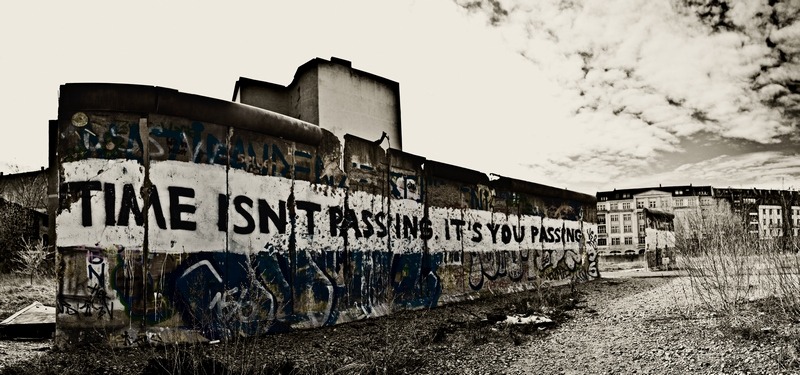 Dennis Skley,  Time isn`t passing ... [Urban Explorer] , 2012. Flickr, License: CC BY-ND 2.0.