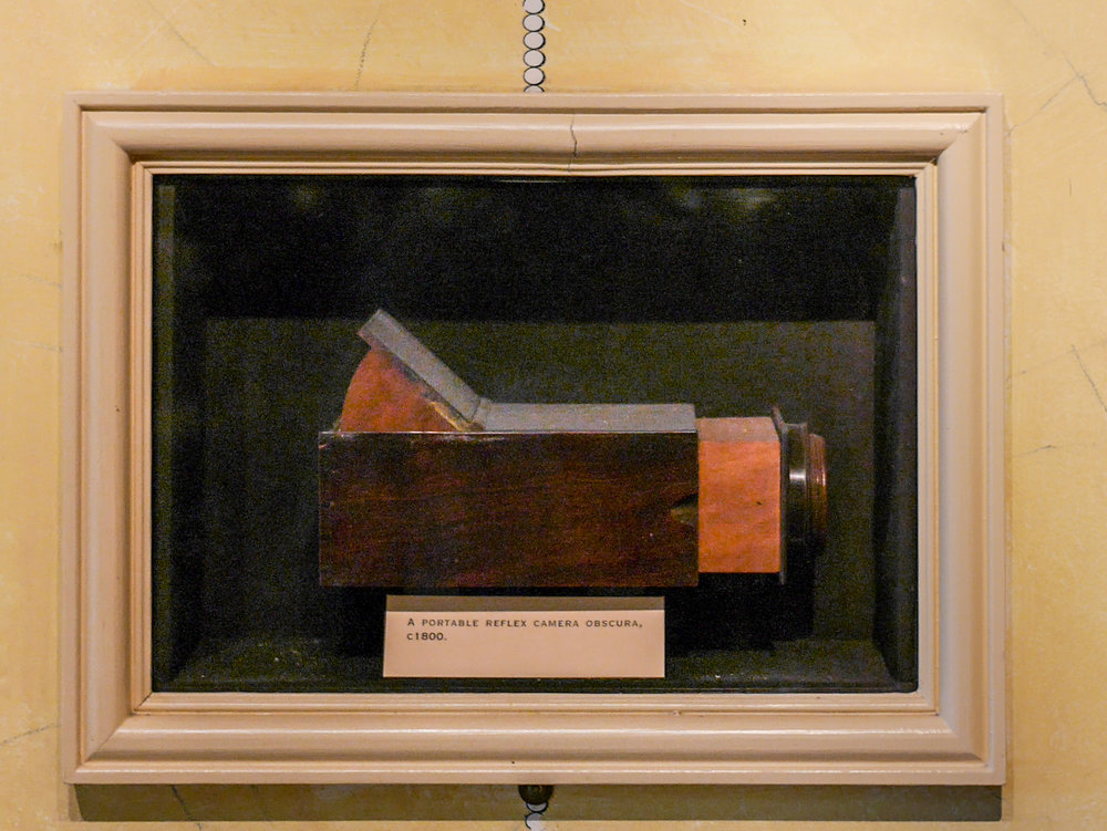Portable reflex camera obscura, c. 1800, in the Kodak Gallery at the National Media A Museum. Photo by Joanna Zylinska, 2016.