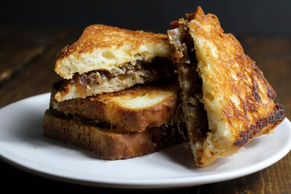 Apple Chutney Grilled Cheese
